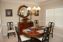 Independent Cottage Dining Room